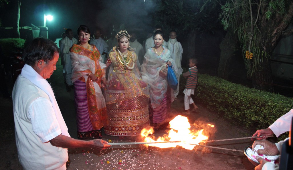 The bride enters the bridegroom's house